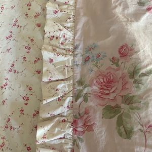 🎉SOLD🎉Shabby Chic Pink Floral Queen Comforter